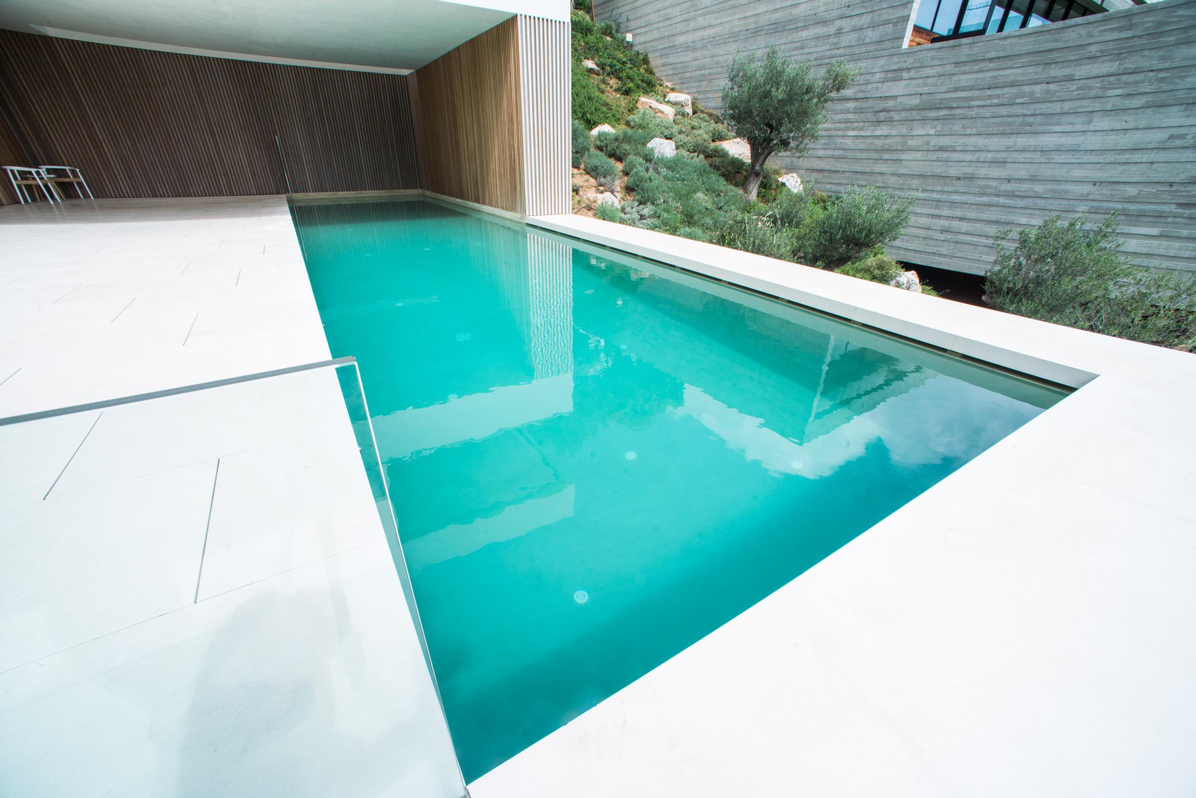 eleven mansion villa eleven. Black Bedroom Furniture Sets. Home Design Ideas